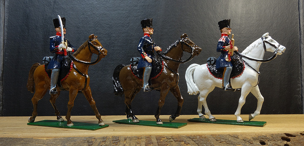 soldats de plomb et figurines de collection - boutique au plat d'étain à Paris - chevaux de plomb